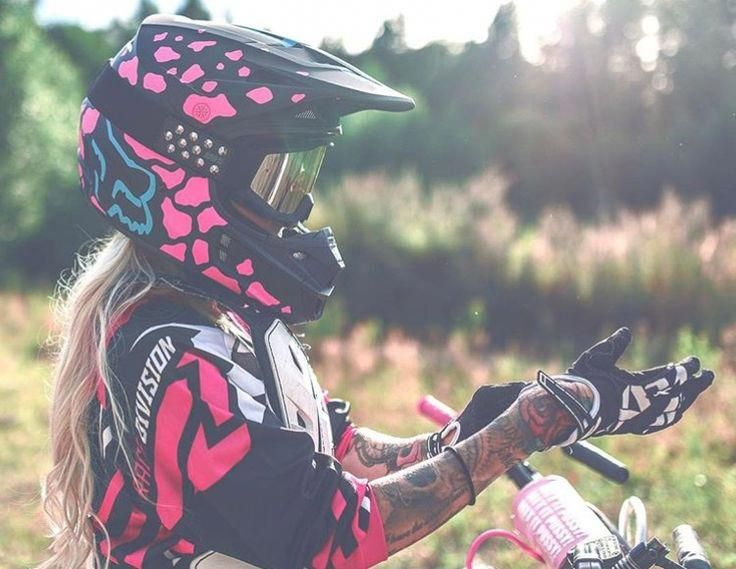Basic Yet Elegant Motocross Apparel
