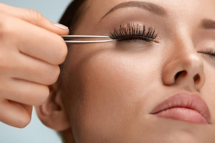 Can You Wear Fake Eyelashes Every Day?